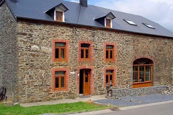 De groepsaccommodatie Maison la Cocotte te Bievre in de Belgische Ardennen.